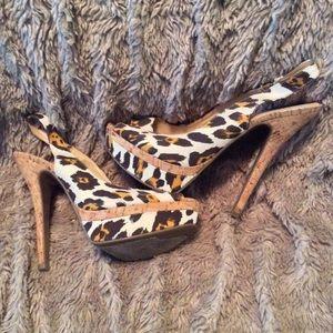 Guess leopard canvas cork heels. Good condition